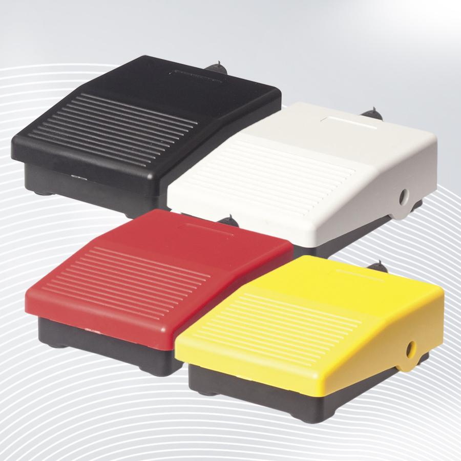 Miniatur Fußschalter mit rutschfesten Standfüßen für Maschinensteuerung ohne Hände ✓ 3A / 250V AC ✓ 0,06A / 230V DC ✓ Wechselkontakt ✓ 10 Mio. Betätigungen